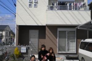兵庫県 O様 東芝太陽光発電システム_____南一面の最高のお屋根に設置させて頂き、お父様のご自宅にも設置して頂きました。
